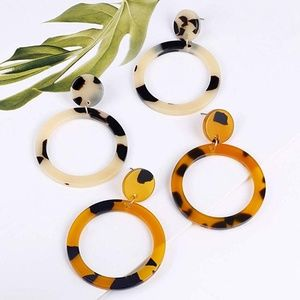 Jewelry - Bundle of 2 Mottled Acrylic Dangle Earrings